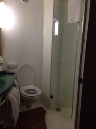 إيبيس سيدني ثورنليه: Bathroom