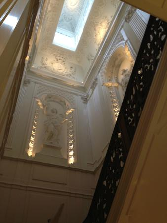 Waldorf Astoria Amsterdam: Historical grand staircase