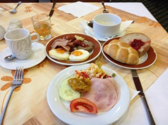 Orea Resort Santon : 朝食メニューは豊富