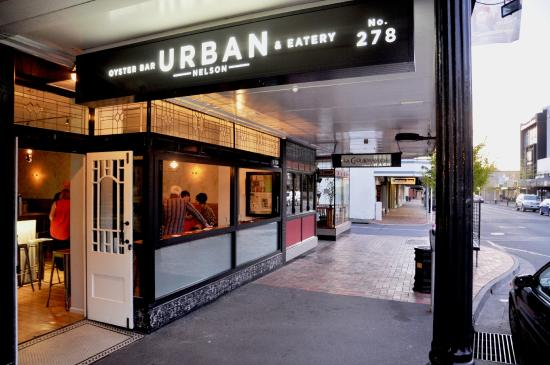 ‪Urban Oyster Bar and Eatery‬