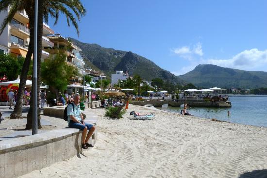 The wonderful beach promenade of Port de Pollenca. - Picture of Port de Polle...