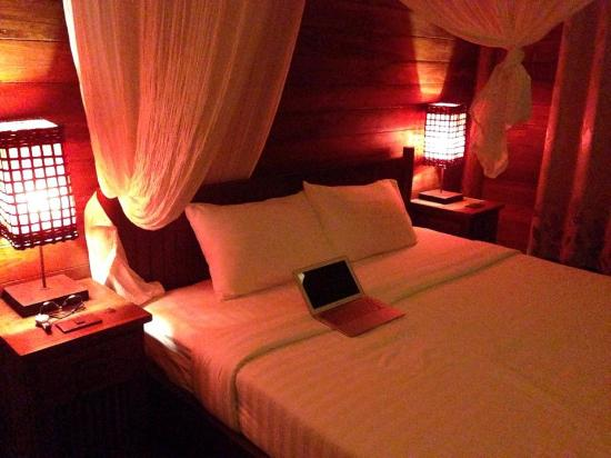 Thapwarin Resort: Our Bed