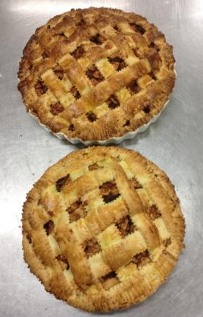Eureka Farm: apple pie baking at the farm