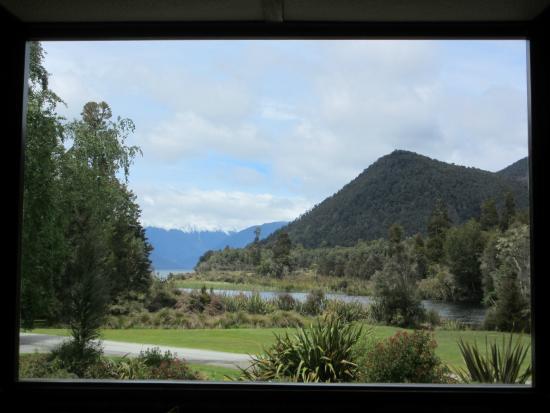 Lake Rotoroa Lodge : View from lounge/bar