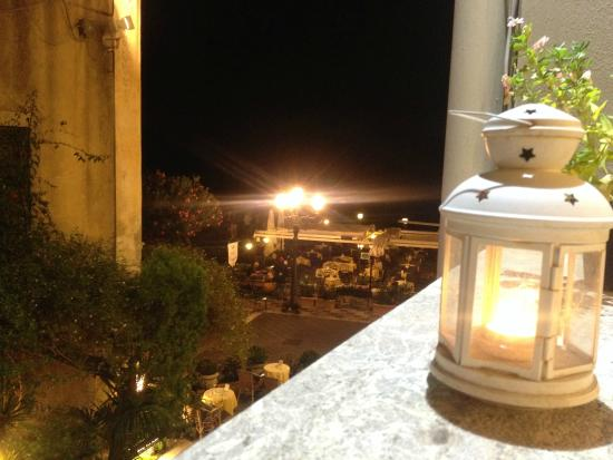 Restaurant Cinque Archi: View on the square