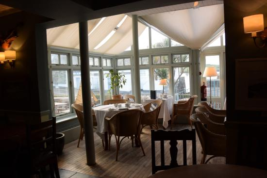 The Rising Sun: Dining area overlooking harbour