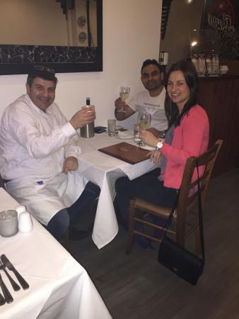 Greek Flame Taverna: Great service!