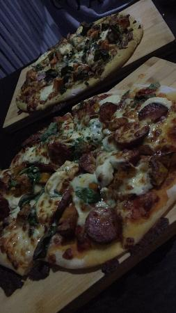 Sorrento Restaurant and Bar: Roasted veg pizza & roasted pumpkin pizza