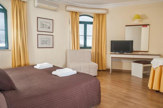 Loule Jardim Hotel: Triple Room