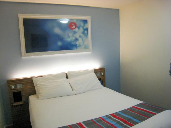 Travelodge London Clapham Junction Hotel Room