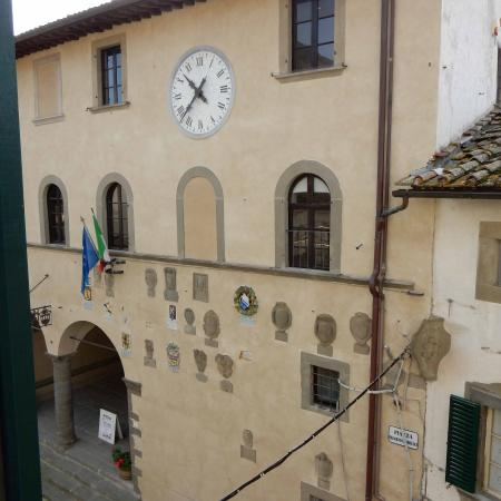 Palazzo San Niccolo': View of Town Hall from our Hotel room
