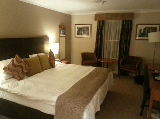 The Greyhound Carshalton Hotel : Comfy room