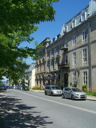 Restaurant Apsara, rue d'Auteuil, situé en face du Parc de l'Esplanade