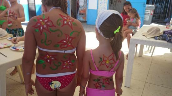 Spiagge rimini trucca bimbi body painting foto di spiaggia bagno egisto 38 viserba tripadvisor - Bagno 38 rimini ...