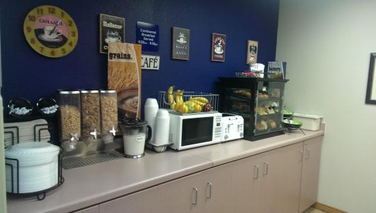 Microtel Inn by Wyndham Onalaska/La Crosse: Breakfast Room
