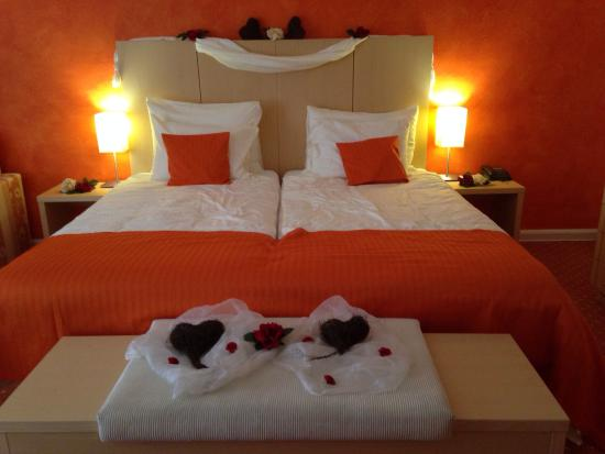 Hotel Lenzerhorn Spa & Wellness: Unser Schön Dekoriertes Zimmer.