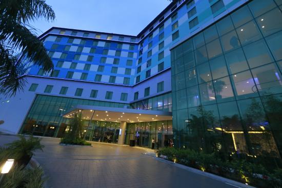 Wyndham Panama Albrook Mall: Hotel Exterior