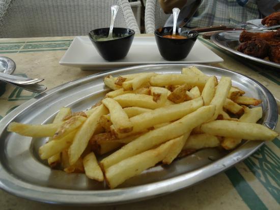 La Rambla: French fries and Mojo