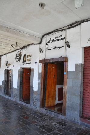 Pirwa Posada del Corregidor: entrance