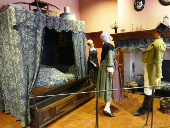 Musee de la Vie Bourguignonne: Old Room