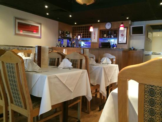 Five Rivers Restaurant: Our Welcoming Interior !