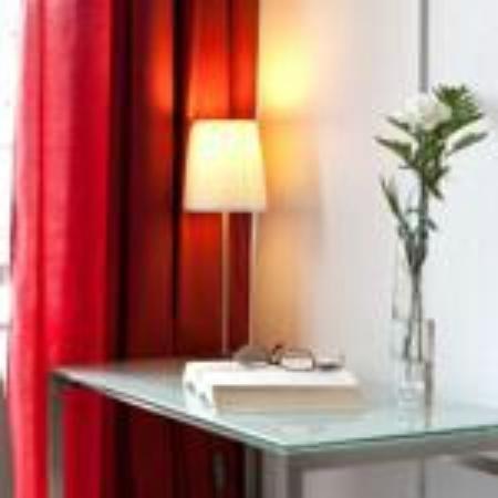 Hotel Medicis: habitación