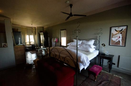 Grand Africa Cafe & Rooms: Bedroom