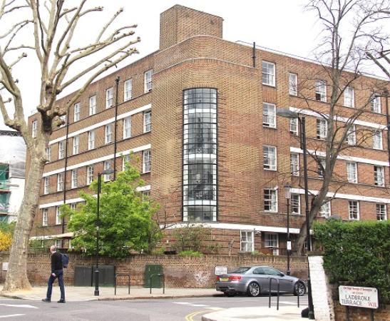 Bowden Court : Front