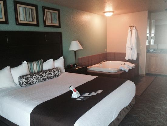 BEST WESTERN PLUS Bayshore Inn: Beautiful room