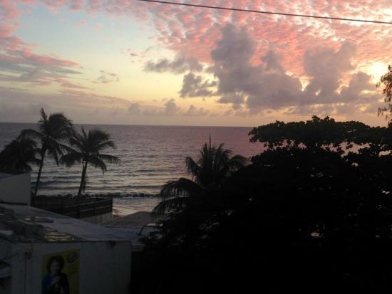 Southern Surf Beach Apartments: View from 4th floor balcony