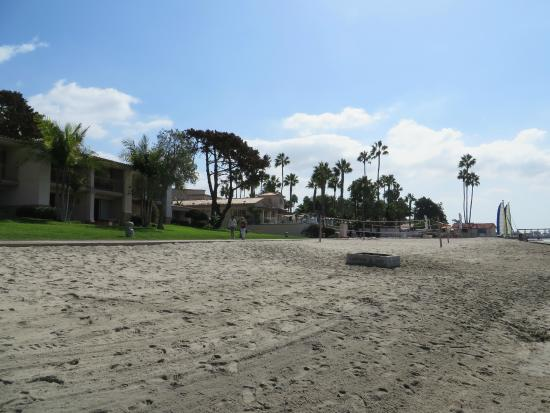 Hilton San Diego Resort & Spa: Beach with fire pits - Beach With Fire Pits - Picture Of Hilton San Diego Resort & Spa, San