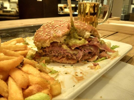 Foto de bratar karlsruhe burger with french fries not for Burger karlsruhe