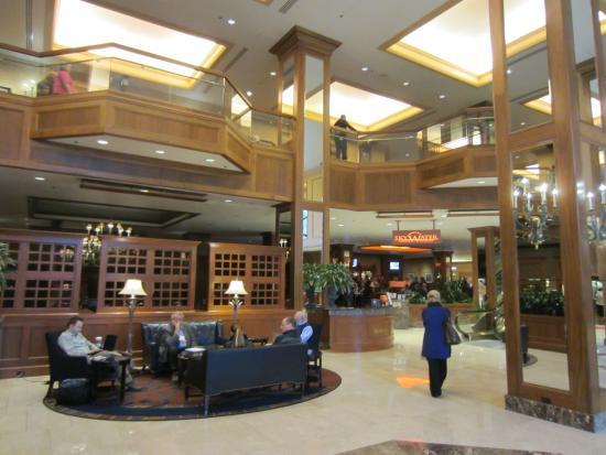 Hilton Garden Inn Minneapolis Downtown: lobby area
