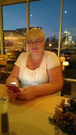 Future Inn Cardiff Bay : me in the resturent