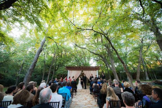 The Wildwood Inn : Ceremony Location