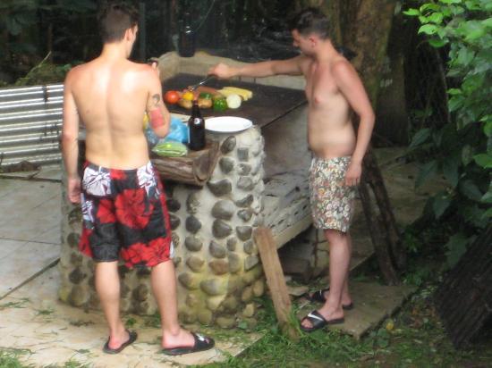Free Spirit Oasis: grill area