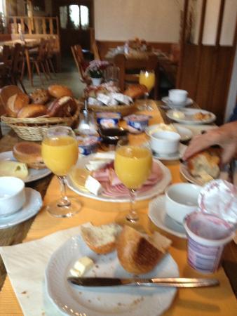 Hotel Gasthof Zur Linde: Cafe da manhã muito bom