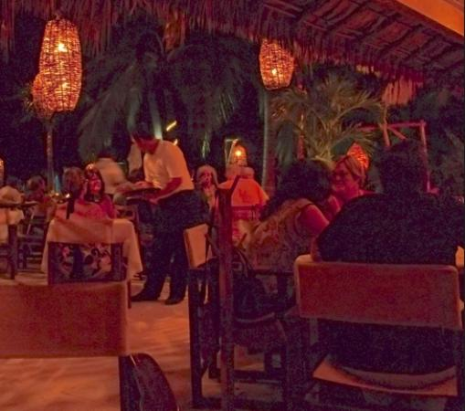 Oasis Ocean Club : Great ambiance!