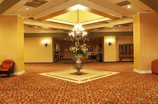 lobby picture of la crystal hotel compton tripadvisor. Black Bedroom Furniture Sets. Home Design Ideas