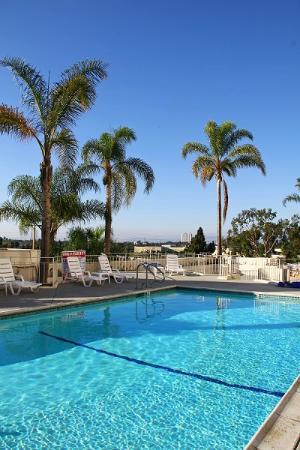 pool picture of la crystal hotel compton tripadvisor. Black Bedroom Furniture Sets. Home Design Ideas