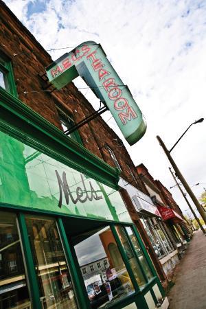 Mels Tearoom: Storefront