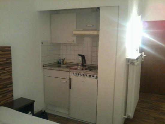 Apartments Duval: kitchen