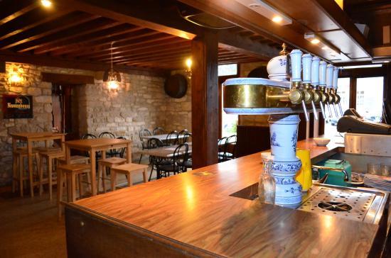 Marcilly-sur-Tille, Francia: le bar