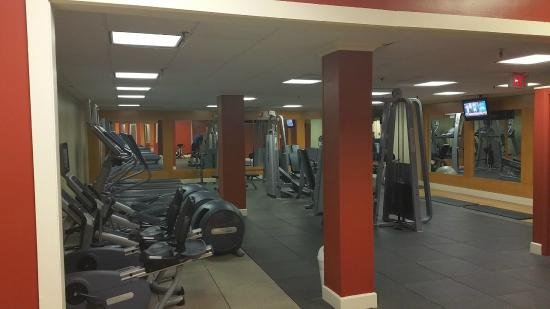 Fitness center picture of hilton kansas city airport