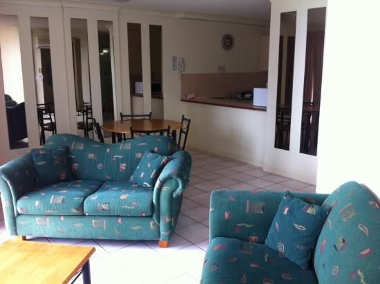 BreakFree Cosmopolitan: Living area 9th floor room 957