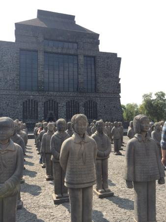 Museo Diego Rivera Anahuacalli: Terracotta Daughters