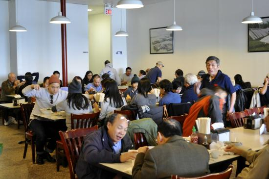 Pho 75 : Asian clientele in abundance here.