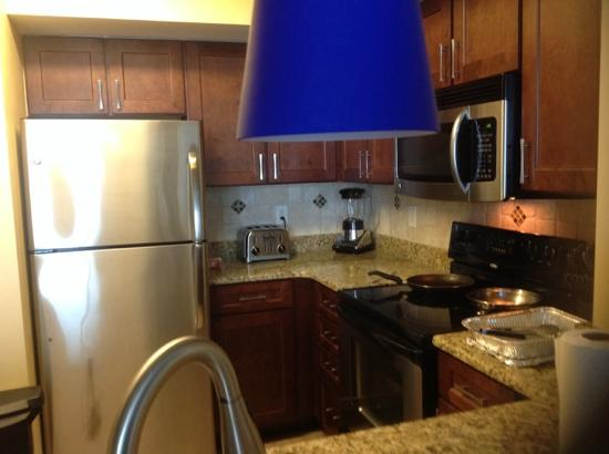 Wyndham Vacation Resorts Towers on the Grove: fully equipped kitchen