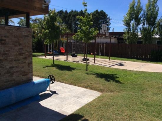 Foto De Complejo Arenisca Solis Zona De Juegos Al Aire Libre Con