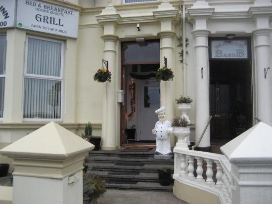 The Harbour Inn B&B and Grill: Entrance